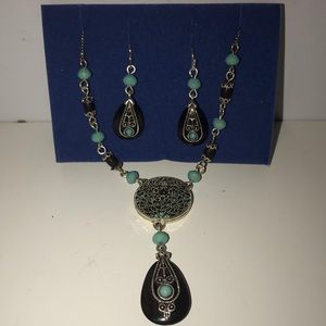 [MUST GO]  NWOT AVON Necklace and Earring Set